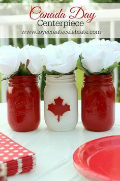 Adorable mason jar Canada Day centerpiece for your BBQ party! Canada Day 150, Happy Canada Day, Canada Eh, Canada Day Centrepiece, Mason Jar Crafts, Mason Jars, Canada Day Crafts, Canada Day Party, Canada Holiday