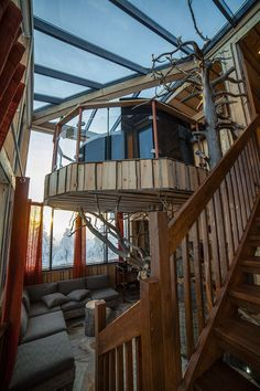 Spacious, luxurious and utterly unique, the Eagles View Suite at Iso Syote Hotel is a spectacular two-floor accommodation built around a growing tree.