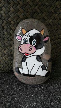 Sød ko malet på sten med posca tusser og molotow tusser