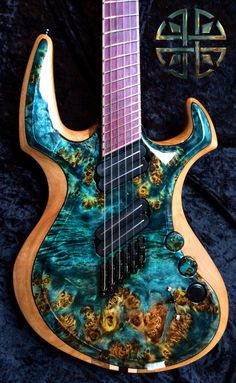 La Nebula par Decision Guitars. Retrouvez des cours de guitare d'un nouveau genre sur MyMusicTeacher.fr