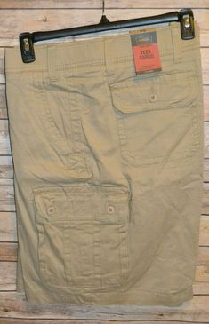 finest selection 0ff24 adde1 FOUNDRY FLEX CARGO SHORTS COLOR  BRITISH KHAKI SIZE  52 HIDDEN COMFORT  WAISTBAND  Foundry