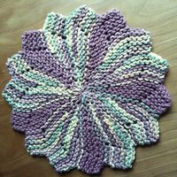 Ravelry: Project Gallery for The Almost Lost Washcloth pattern by Julie Tarsha Knitted Dishcloth Patterns Free, Crochet Coaster Pattern, Dishcloth Knitting Patterns, Knit Dishcloth, Knitting Stitches, Christmas Crochet Patterns, Crochet Ornaments, Crochet Snowflakes, Crochet Christmas