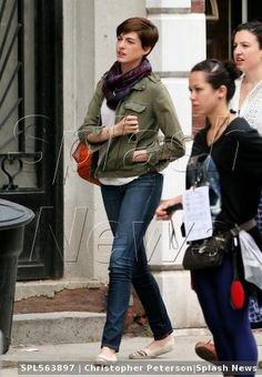 Anne Hathaway rocks Soludos..again & again!