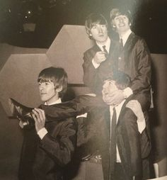 """left-at-greenland: """" Tag yourself I'm Ringo """""""