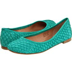 Lisa for Donald Pliner Luanui. Love these teal jade flats. So cool and scaly.