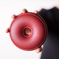 hoop_bluetooth_speaker_spalvieri_del_ciotto_lexon