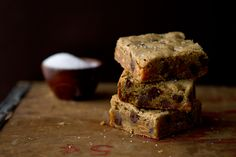 Post image for Salted Caramel Chocolate Chip Blondies