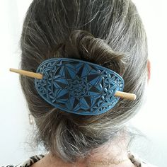 Black and Blue geometric hand carved leather hair barrette Black and Blue geometric hand carved leather hair barrette Leather Cuffs, Leather Tooling, Leather Jewelry, Etsy Handmade, Handmade Items, Handmade Jewelry, Handmade Gifts, Artisan Jewelry, Jewelry Shop