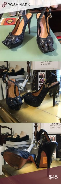 Zara Heels! Super cute pair of sling back sandals with tassels from Zara. In great pre loved condition. Besides normal wear to the bottoms - in great overall condition! Zara Shoes Sandals