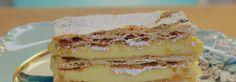 Inspirada em uma ilustração do marido, Raíza ensina a fazer um bolinho dourado por fora e cremoso por dentro, coberto com creme rosa e fios de açúcar. Para completar a obra-prima, os truques e a receita para fazer em casa cerejas conservadas em licor de marasquino, o licor dos reis.