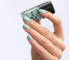 Catrice ICOnails Mint map Mint nails swatch