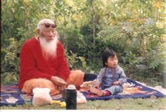 HH Chatral Rinpoche on a picnic with one of his two granddaughters