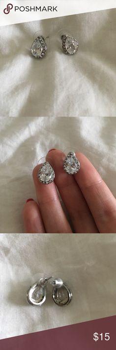 Tear drop earrings Never worn tear drop shaped earrings Forever 21 Jewelry Earrings