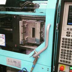 Produktion der neuen Diarahmen. Exklusiv für Kleinformat mit mehr Bildfläche