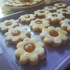 Chimney Cake, Biscotti Cookies, Christmas Snacks, Creative Crafts, Pasta, Macarons, Doughnut, Biscuits, Fudge