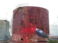 #streetart post of the day by ROA  Shell und das Öl: Leben spendend oder tödlich? #Shell