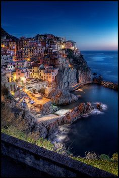Manarola, Cinque Terre, Liguria, Italy Ayyy I wanna go there 😍💃 Places Around The World, Oh The Places You'll Go, Places To Travel, Around The Worlds, Beautiful Places To Visit, Wonderful Places, Beautiful World, Dream Vacations, Vacation Spots
