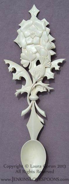 Welsh_Lovespoon_Heritage_Celtic_Tudor_Rose_Thistle_Daffodil_Fleurdelis_Oak_Holly_Carved_Wood_Gift