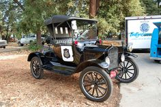 Vintage Cars Ford Model T Police Car. - Horses to Horsepower Sequoia High School, Redwood City, California on October 2008 Old Police Cars, Old Cars, Ford Modelo T, Emergency Vehicles, Police Vehicles, Military Vehicles, Ford Classic Cars, Vintage Race Car, Car Ford