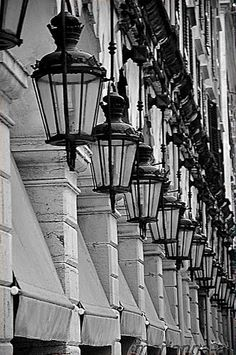 Liston in Corfu. Book your Corfu holidays at corfu2travel.com !