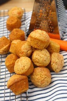 Kid-Friendly Mini Carrot Muffins – Organized Lunches with Rubbermaid LunchBlox #BetterLunchInASnap #Sponsored