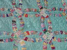 Single Wedding Ring Quilt Tutorial Wedding Ring Quilt Pattern History Wedding Ring Quilt Designs Most Popular Amish Quilt Patterns The Double Wedding Ring Pattern Is A Century Pattern Quilts Wedding Ring Pattern Quilt Amish Quilt Patterns, Vintage Quilts Patterns, Antique Quilts, Quilting Projects, Quilting Designs, Amische Quilts, Wedding Ring Quilt, Wedding Quilts, Double Wedding Rings