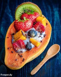 Edible Glitter, Boat Stuff, Coconut Yogurt, Matcha, Grapefruit, Strawberries, Meal Planning, Healthy Snacks, Boats