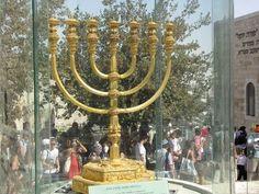 Torah Pearls Terumah, Exodus 25:1-27:19, candelabrum, Menorah, tabernacle, Temple, Torah Pearls, torah portion, Temple Institute, menorah