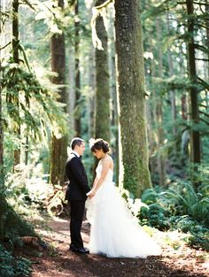 Photography: Erich McVey Photography - erichmcvey.com Read More: http://www.stylemepretty.com/2013/11/21/oregon-forest-wedding-from-erich-mcvey-photography/