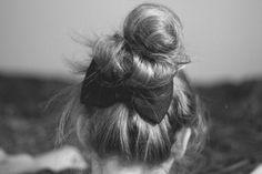 Elsie{In Wonderland} Kiss Makeup, Hair Makeup, Messy Hairstyles, Hairdos, Little Bow, Beach Hair, Crazy Hair, Hair Looks, Simple Style
