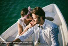 bride and groom in boat wedding photo Flowers by Jardin Divers www.jardindivers.it @jardindivers Photo by F. Spighi wedding in tuscany, wedding flowers, romantic wedding, italian wedding, wedding destination, wedding in Italy, outdoor wedding, wedding in Chianti, royal wedding, castle wedding, wedding inspiration, wedding idea, wedding design, flower design, pastel colors, pastel wedding, soft colors wedding, fresh colors wedding, pink wedding, lake wedding, lake, bohemian wedding