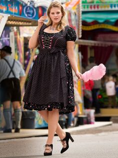 Apron Dirndl Pattern - Burda (though this one is plus size) - style, not colour Drindl Dress, Dress Outfits, Formal Business Attire, Plus Size Sewing, Special Occasion Dresses, Plus Size Fashion, Vintage Outfits, Short Sleeve Dresses, Clothes For Women