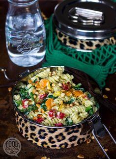 Pastasalade met kwarkspread en spinazie