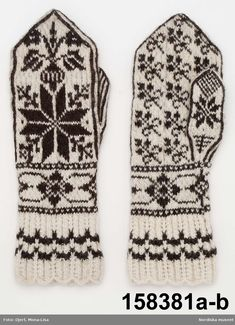 Vantar - Nordiska museet / DigitaltMuseum Knitted Mittens Pattern, Knit Mittens, Knitted Gloves, Knitting Socks, Hand Knitting, Knitting Charts, Knitting Stitches, Knitting Patterns, Yarn Inspiration