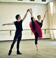 "<<Svetlana Zakharova and Alexander Volchkov, Bolshoi Ballet, rehearsing for ""Symphony in C"" # Photo © 2005 Marc Haegeman/Bolshoi Theatre>>"