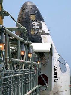 rocketman-inc:  space shuttle Atlantis