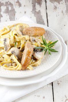 Romige champignon pasta met chipolataworstjes