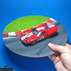 """Ford in Diorama """"Track Curve"""". Ford Gt40, Scale, Slot, Track, Toys, Strollers, Circuit, Dioramas, Curves"""