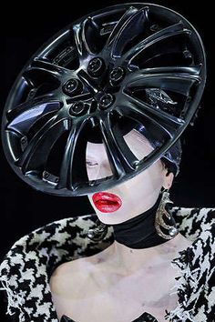 Haute Umbrella Hats - Some call him a fool for his over-the-top and outlandish catwalks; others hail him as a veritable haute couture genius and fashion visionary for th. Couture Fashion, Fashion Art, Fashion Show, Crazy Fashion, Dark Fashion, Street Fashion, High Fashion, Fashion Design, Alexander Mcqueen