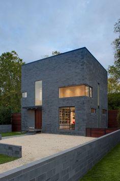 Hampden Lane House by Robert Gurney Architect... love the simplicity