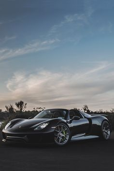 Porsche 918 Spyder.  Don't usually like Porsches, but this ones hot .