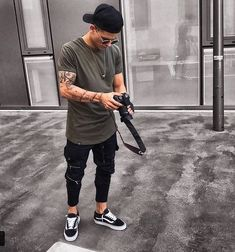 113 exalted urban clothing kate spade ideas – page 1 Mode Outfits, Urban Outfits, Mein Style, Photography Poses For Men, Stylish Mens Outfits, Men Looks, Mens Clothing Styles, Streetwear Fashion, Men Casual
