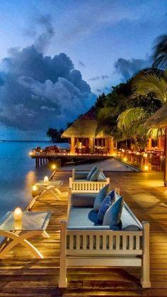 #jemevade #ledeclicanticlope / Le paradis ... Rangali, Maldives. Enfin pas pour les enfants (peine de mort :( ...) mais ce n'est pas en boycottant le pays que ça va s'arranger. Alors on y va. Via snapsmania.com