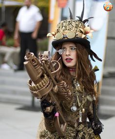 Steampunk Lady with Big-gun