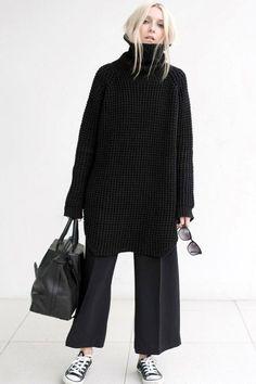 2 ways to wear a waffle knit sweater (The E .- 2 ways to wear a waffle knit sweater (The Edit), Source by gestricktemode - Fashion Mode, Look Fashion, Autumn Fashion, Tokyo Fashion, Fashion Black, Classic Womens Fashion, Monochrome Fashion, Retro Fashion, Korean Fashion