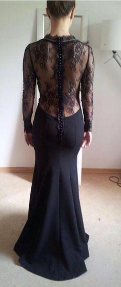 Azi va tratam cu...spatele O superba rochie din mai multe tipuri de dantela,organza si stofa a plecat de la noi din atelier. Asteptam pozele de la eveniment! Multumim Catalina!&...
