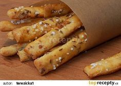 Škvarkové tyčinky recept - TopRecepty.cz New Recipes, Cooking Recipes, Healthy Recipes, Bread And Pastries, Food 52, Desert Recipes, Hot Dog Buns, Finger Foods, Food And Drink