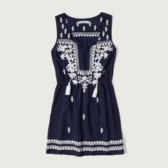 Abercrombie & Fitch Embroidered Peasant Dress ($47) ❤ liked on Polyvore featuring dresses, navy pattern, print dress, peasant dress, blue dress, blue embroidered dress and tassel dress