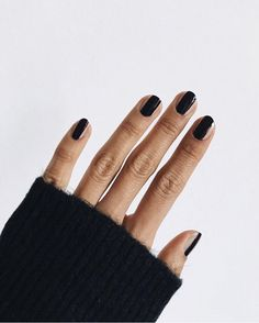 In seek out some nail styles and ideas for your nails? Here's our set of must-try coffin acrylic nails for cool women. Diy Nails, Cute Nails, Pretty Nails, Minimalist Nails, Uñas Fashion, Nagellack Trends, Manicure E Pedicure, Black Manicure, Black Nails