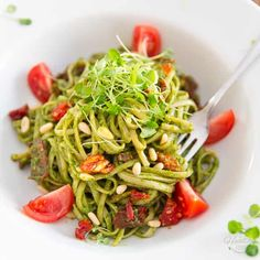 Arugula Pesto is a very decent, super tasty and much more affordable alternative to traditional basil pesto! Served with pasta, paired with sun dried tomatoes and pine nuts, it makes for a truly winning combination. Gourmet Recipes, Vegetarian Recipes, Healthy Recipes, Zoodle Recipes, Vegan Vegetarian, Yummy Recipes, Keto Recipes, Paleo, Pine Nut Recipes